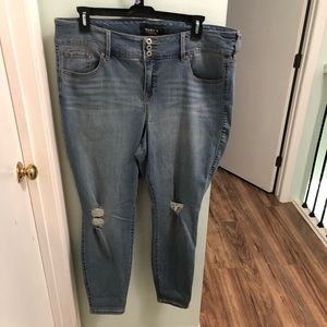 Torrid light distressed long skinny jeggings jeans